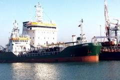 island-oil-galley-lerrix-2